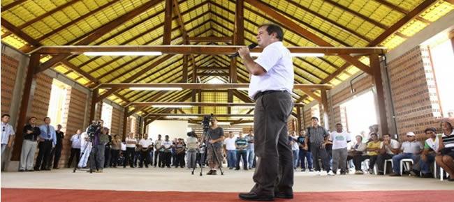 Governador Tião Viana estreitou relacionamento com marceneiros e moveleiros desde o primeiro ano de gestão (Foto: Sérgio Vale/Secom)