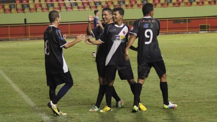 Vitória cruz-maltina deixa time apenas um ponto atrás do Galvez, quarto colocado do Acreano (Foto: Duaine Rodrigues)