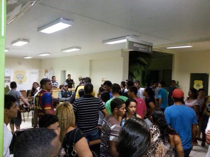 A polícia foi acionada para conter os estudantes furiosos/Fotos: ContilNet Notícias