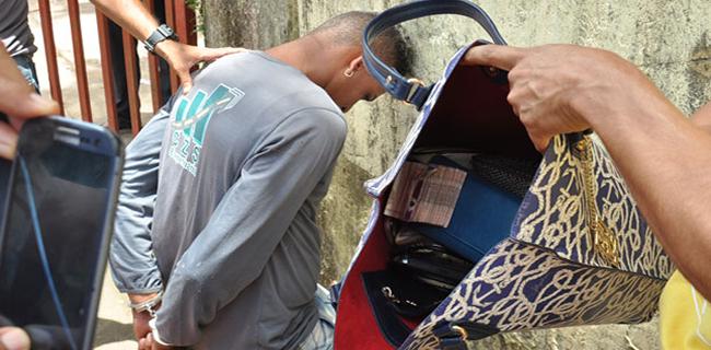Polícia conseguiu prender um dos assaltantes/Foto: Selmo Melo