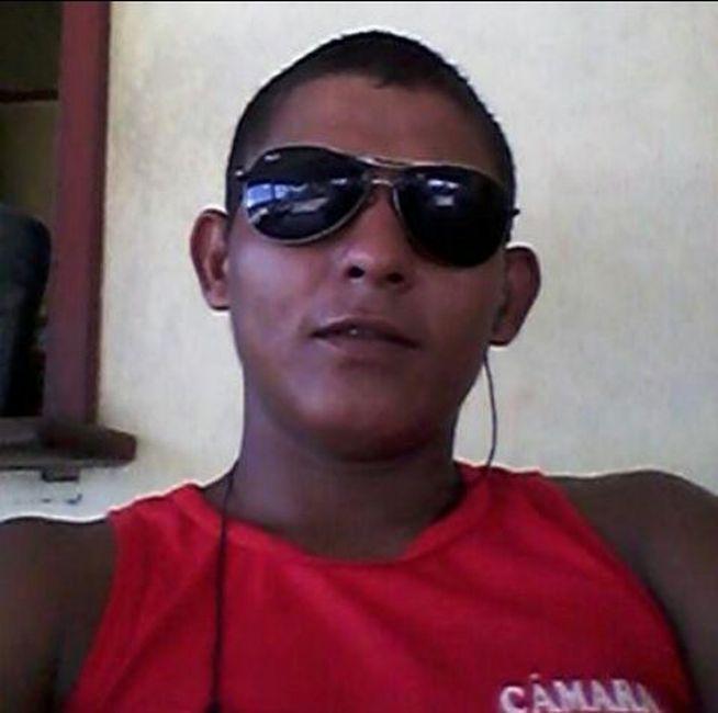 Francisco Auriberto Mendes de Araújo, 26 anos