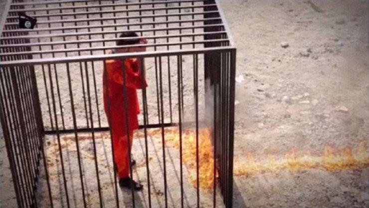mundo-estado-islamico-piloto-jordaniano-queimado-size-598