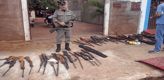 PM REALIZA MAIOR APREENSÃO DE ARMAS DE FOGO DE SUA HISTÓRIA