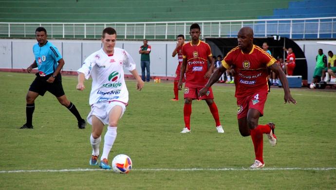 Estrelão construiu a vitória com gols no primeiro tempo no Florestão (Foto: João Paulo Maia)