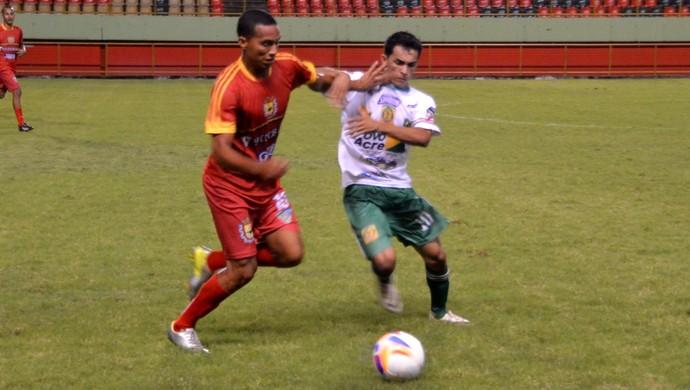 Alto Acre venceu o Galvez por 3 a 0 no primeiro turno do Campeonato Acreano 2015 (Foto: Nathacha Albuquerque)