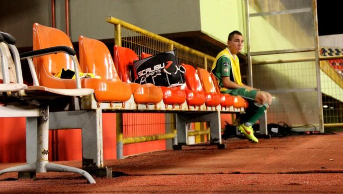 Alto Acre chegou a ter apenas um reserva em jogo do Campeonato Acreano e em outros apenas aequipe titular para entrar em campo (Foto: João Paulo Maia)