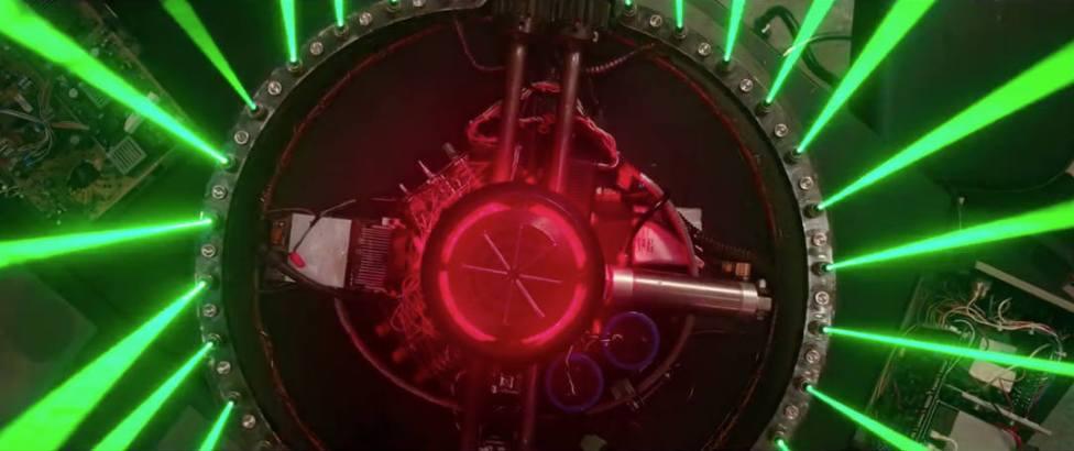 Pop Out #2: Die Geisterjägerinen brauchen neue Waffen. Die Laserstrahlen treten für eine Sekunde aus dem Bild heraus