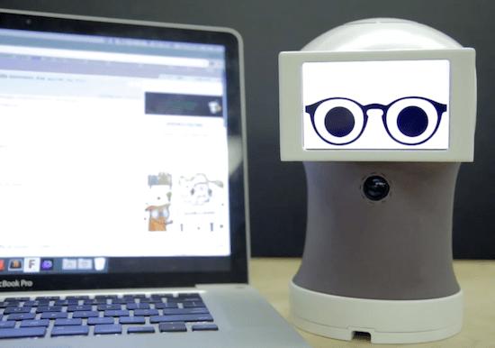 Peeqo O pequeno robô que se comunica através de GIFs Peeqo O pequeno robô que se comunica através de GIFs Peeqo1