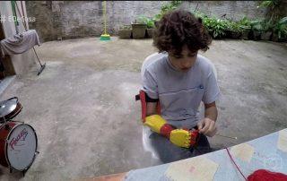Menino ganha braço mecânico feito em impressora 3D Pr  tese Pepi [object object] BLOG Pr C3 B3tese Pepi