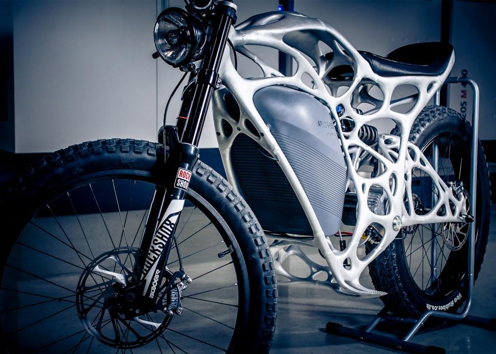 light rider, a primeira mota elétrica impressa em 3d Light Rider, a primeira mota elétrica impressa em 3D light rider apworks 3d printed motorcycle dezeen 1568 5 1024x731