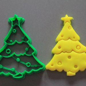 Albero di Natale con luci formina biscotti