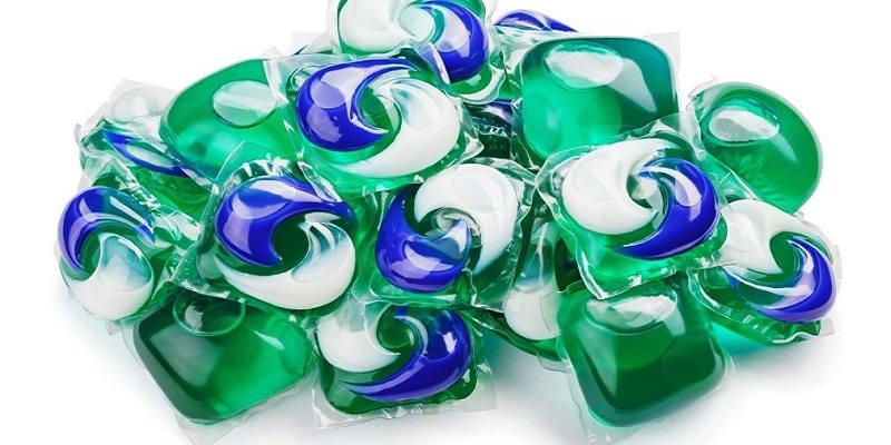 Laundry detergent capules, made using PVA