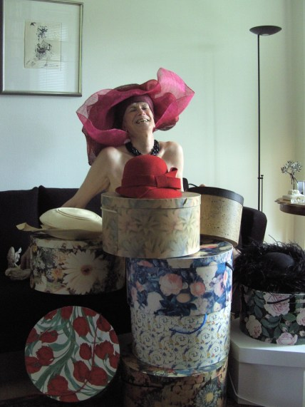 Gerda and her hats (but nothing else!)