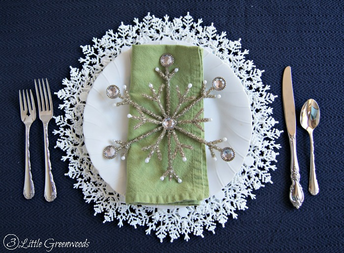 DIY Snowflake Plate Charger An Easy Christmas Tablescape