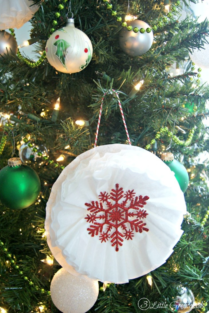 What an AWESOME way to add WOW to your Christmas Tree Decorations! Make  these Coffee