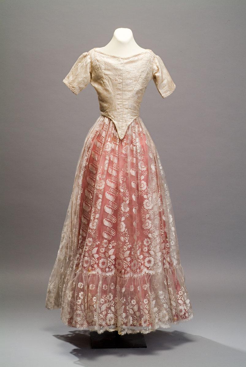 Vestido de nia  3 Museos