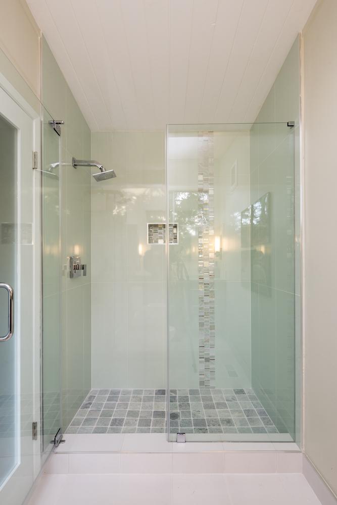 Bao pequeo con ducha empotrada Fotos para que te inspires  3Presupuestos