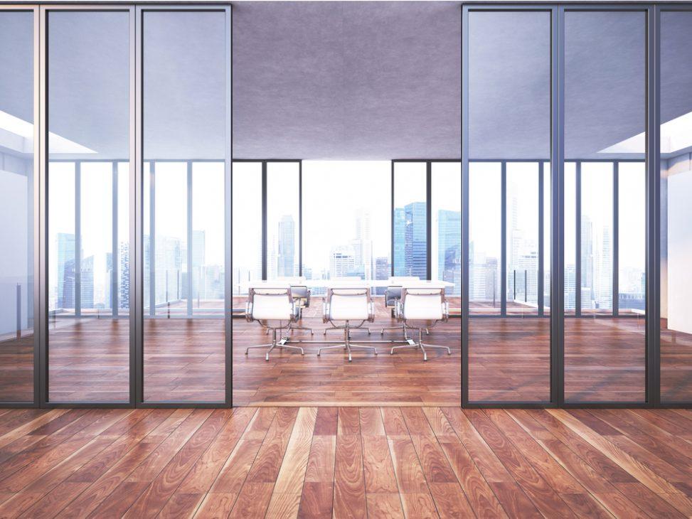 Oficina minimalista con ventanales Fotos para que te inspires  3Presupuestos