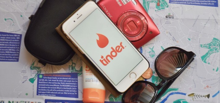 5 Types of Travellers you'll find on Tinder