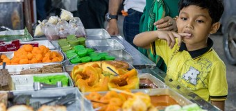 Malaysia's Night Market: The Meet And Eat Place