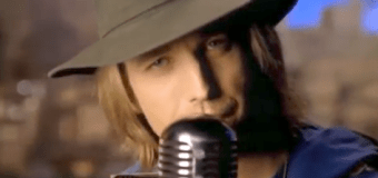 Rock and roll icon Tom Petty dies at age 66