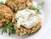 best crab cakes with lemon-dill sauce