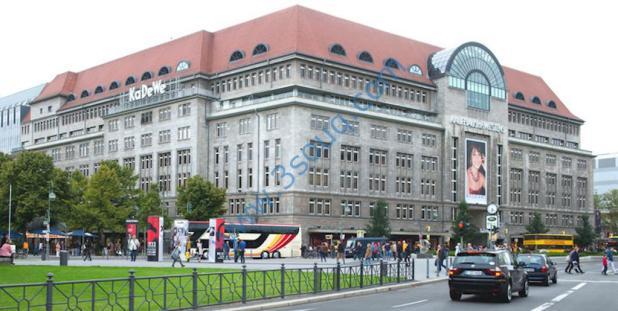Das Kaufhaus des Westens (KadeWe) in Berlin in einer Aufnahme vom 16.09.2013. Der US-Investor Nicolas Berggruen trennt sich von den Luxus- und Sport-Warenhäusern der Karstadt-Gruppe. Darunter ist auch das Berliner KadeWe. Der österreichische Karstadt-Vermieter Signa übernimmt je 75,1 Prozent der Karstadt-Premiumgruppe und der Sport-Kaufhäuser. Foto: Maurizio Gambarini/dpa +++(c) dpa - Bildfunk+++