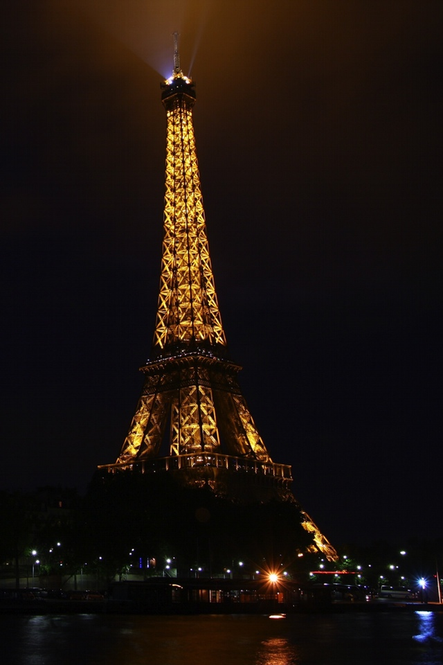 The Eiffel Tower in the Night 3W The Eiffel Tower in the Night