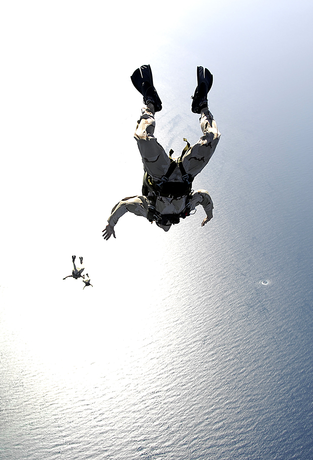 Air Base Jump 3Wallpapers iPhone Parallax Air Base Jump