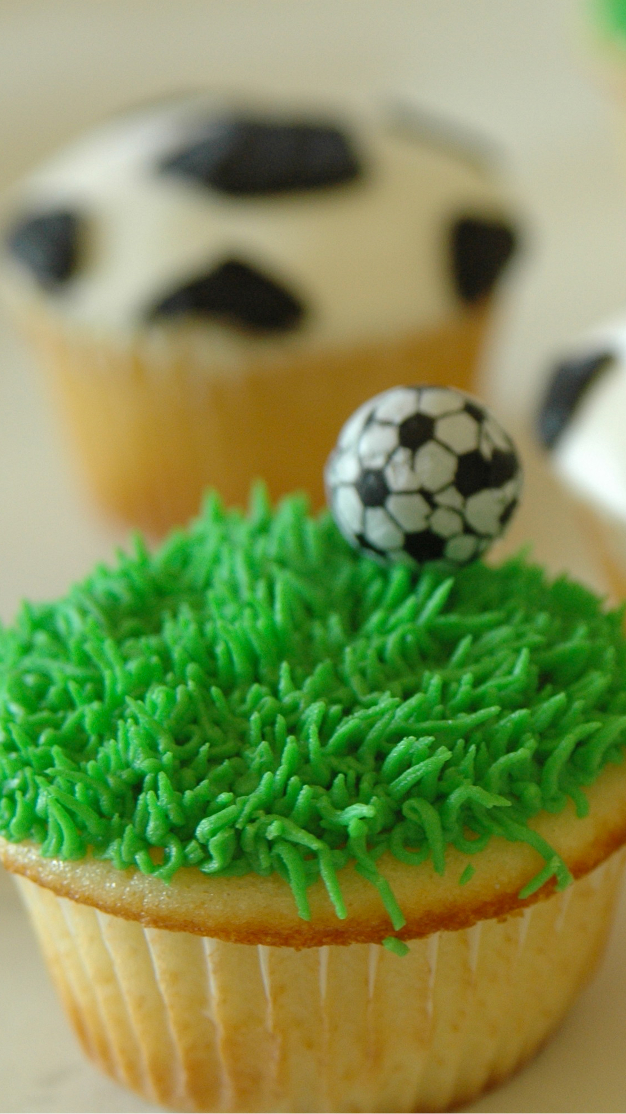sport cake iPhone 3Wallpapers Parallax Sport cake