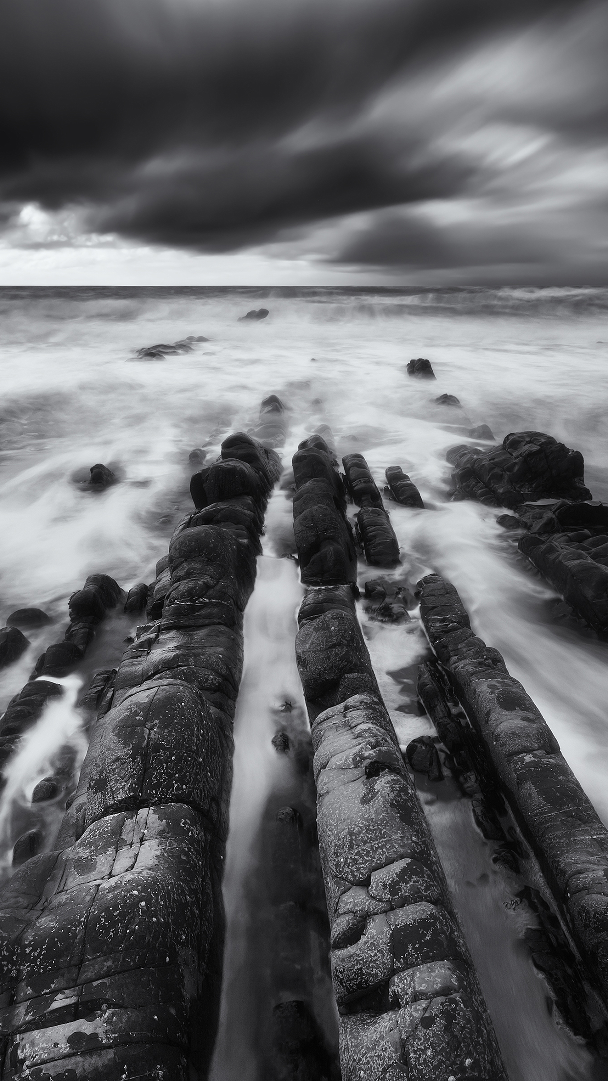 Black and White Rock iPhone 3Wallpapers Parallax Black and White Rock