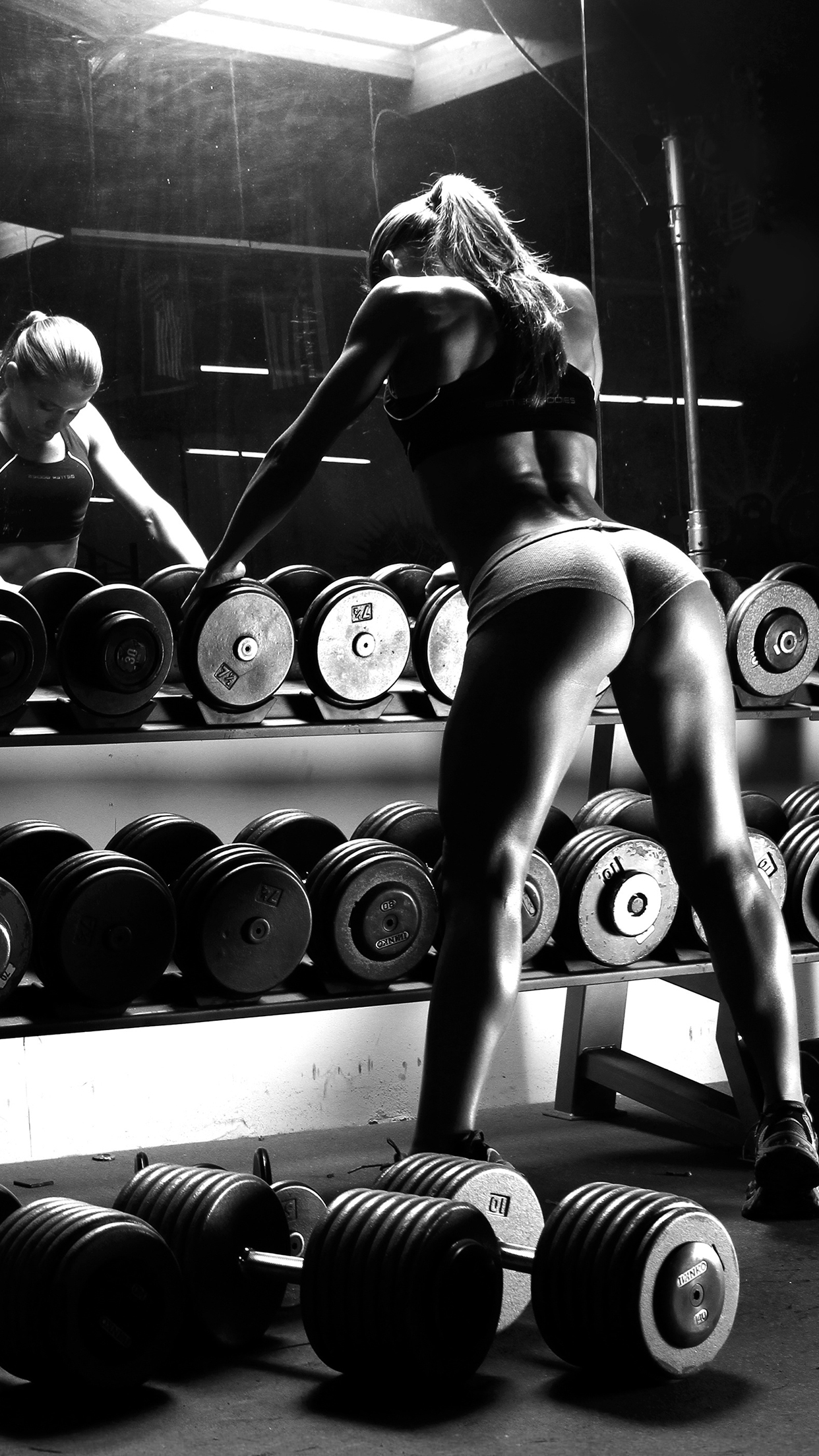 Musculation Girl iPhone 3Wallpapers Parallax Musculation Girl