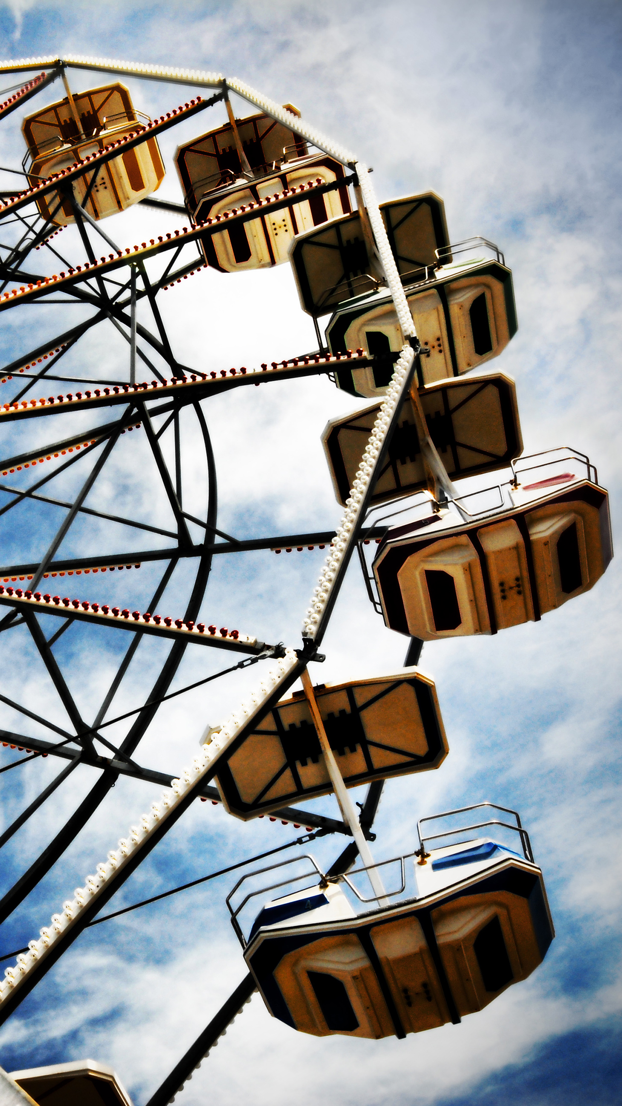 Funfair 3Wallpapers Parallax iPhone Funfair
