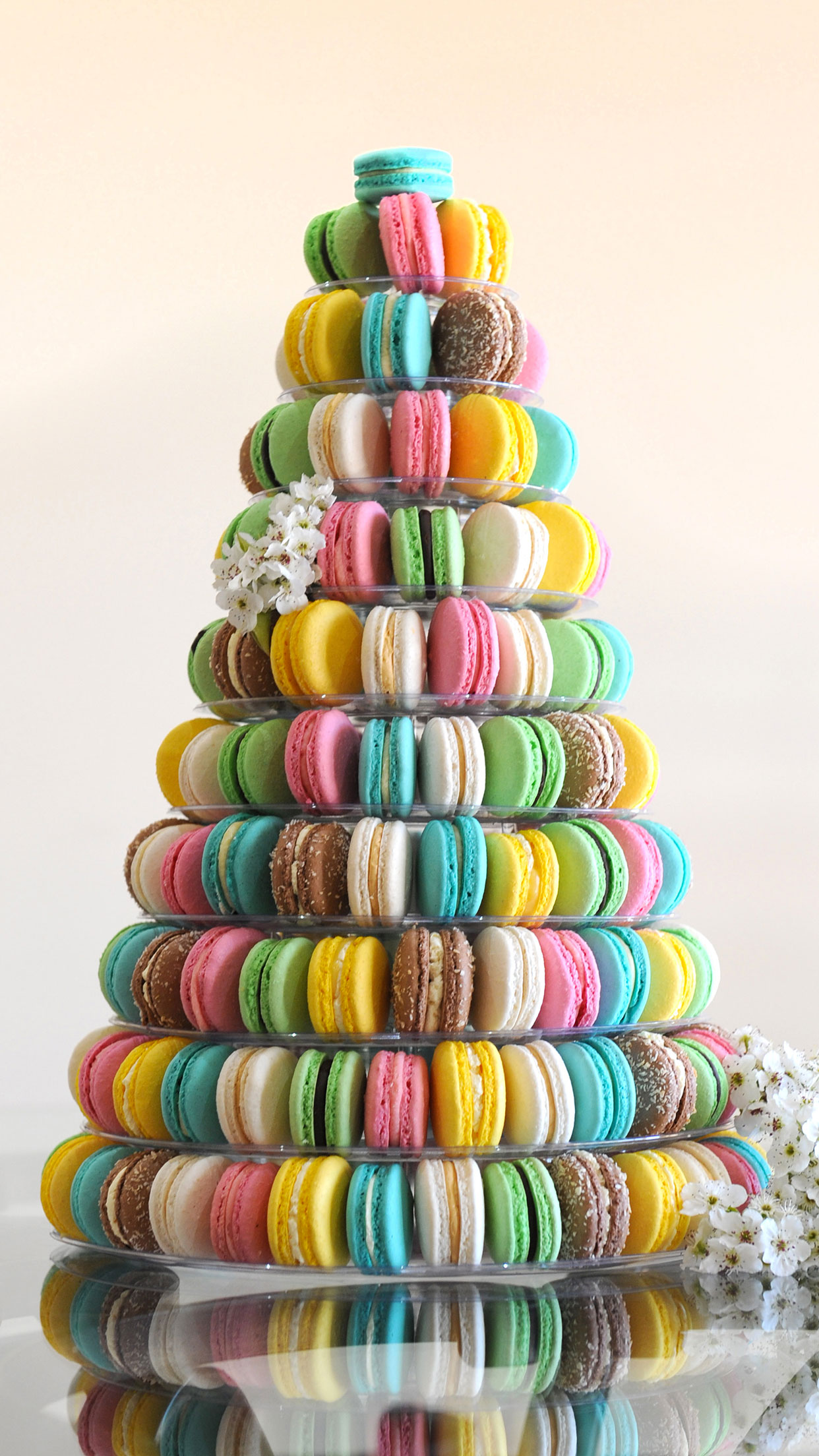Macaroon Pyramid 3Wallpapers iPhone Parallax Macaroon Pyramid