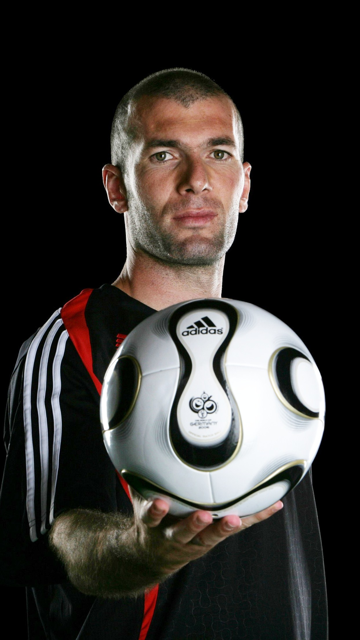 football zinedine zidane 3Wallpapers iPhone Parallax.jpg Football Zinédine Zidane