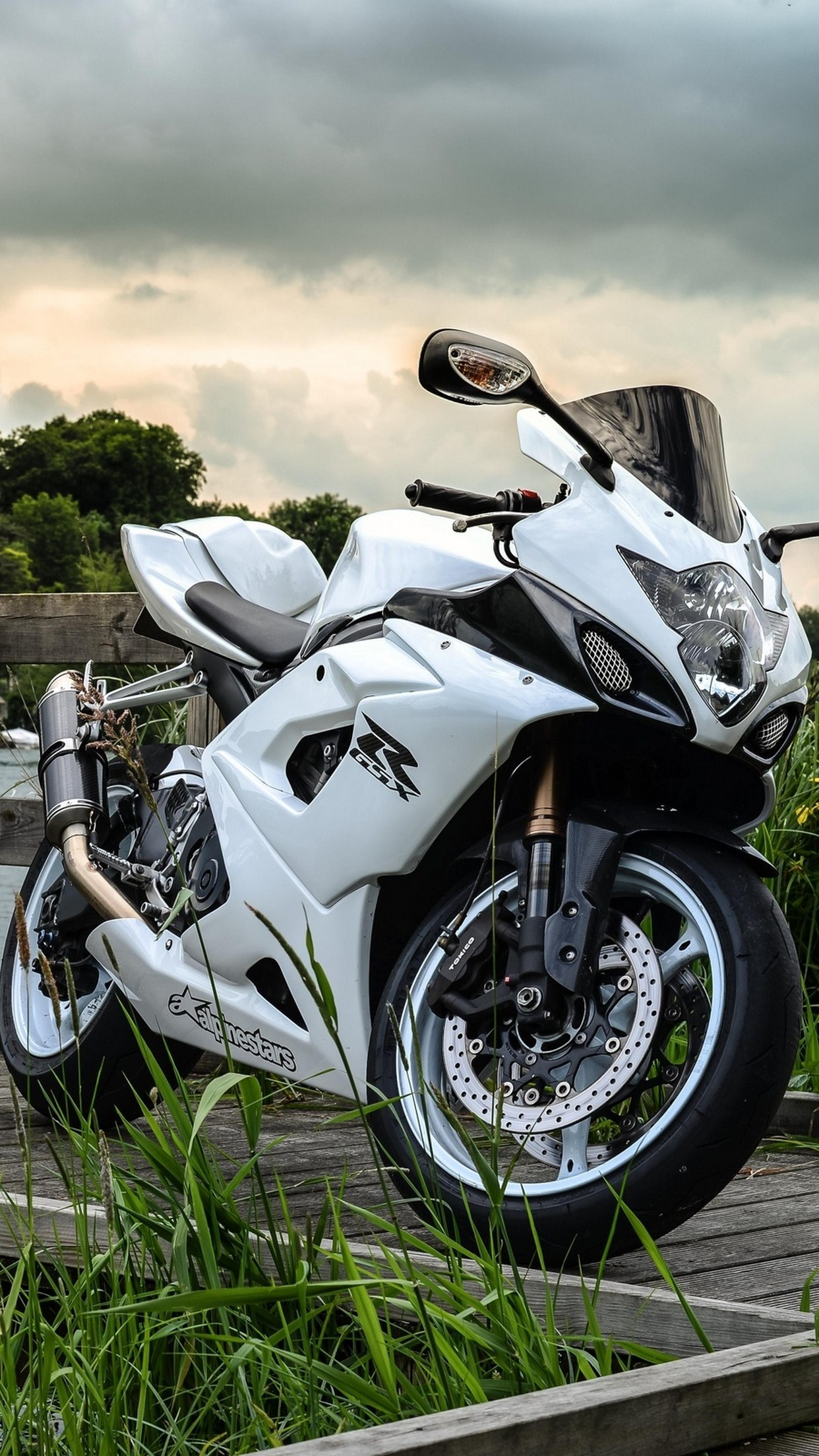 Iphone 4s Wallpapers Free Moto Suzuki Gsx Wallpaper For Iphone X 8 7 6 Free