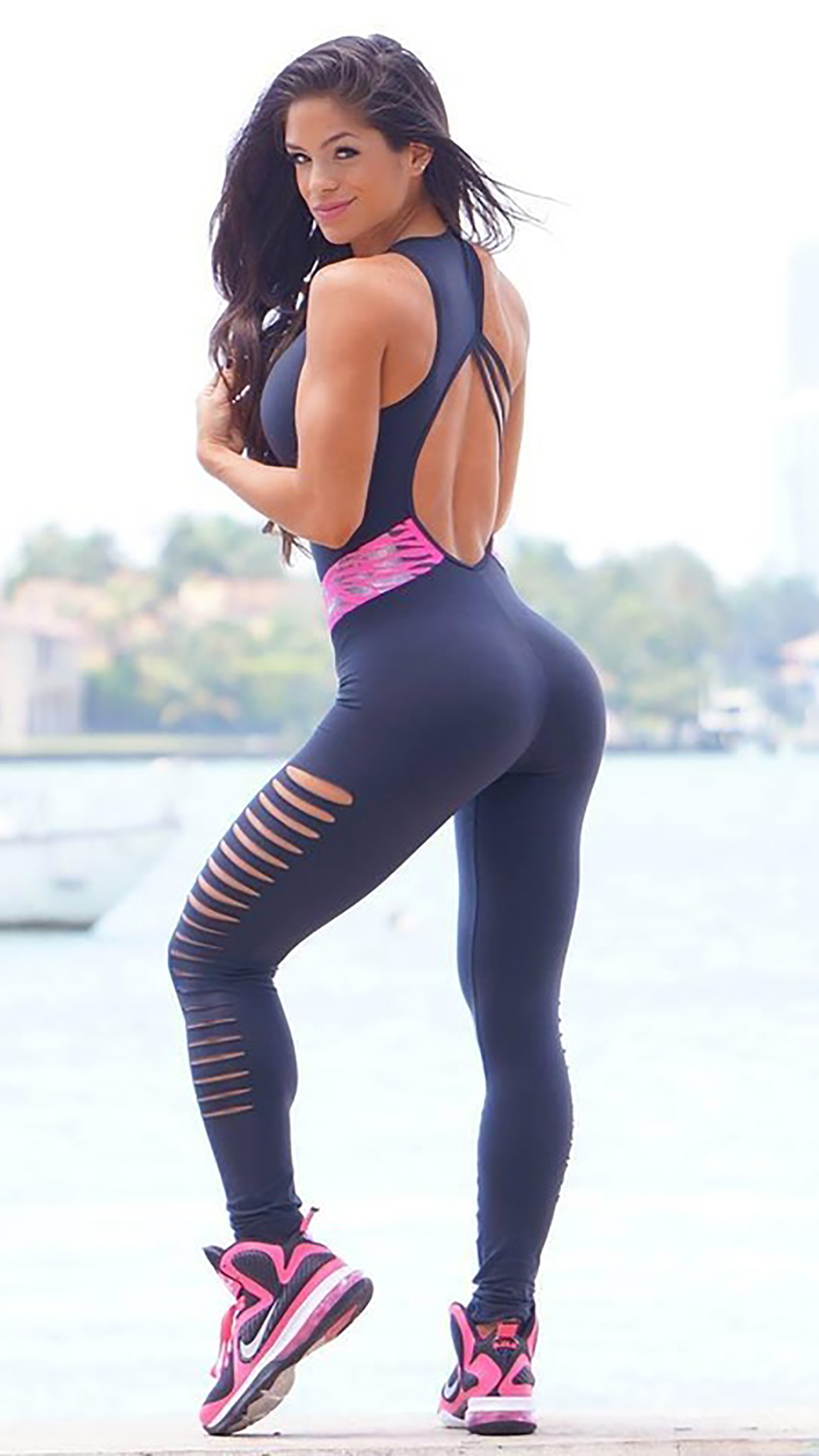Michelle Lewin Fitness 3Wallpapers iPhone Parallax Michelle Lewin : Fitness