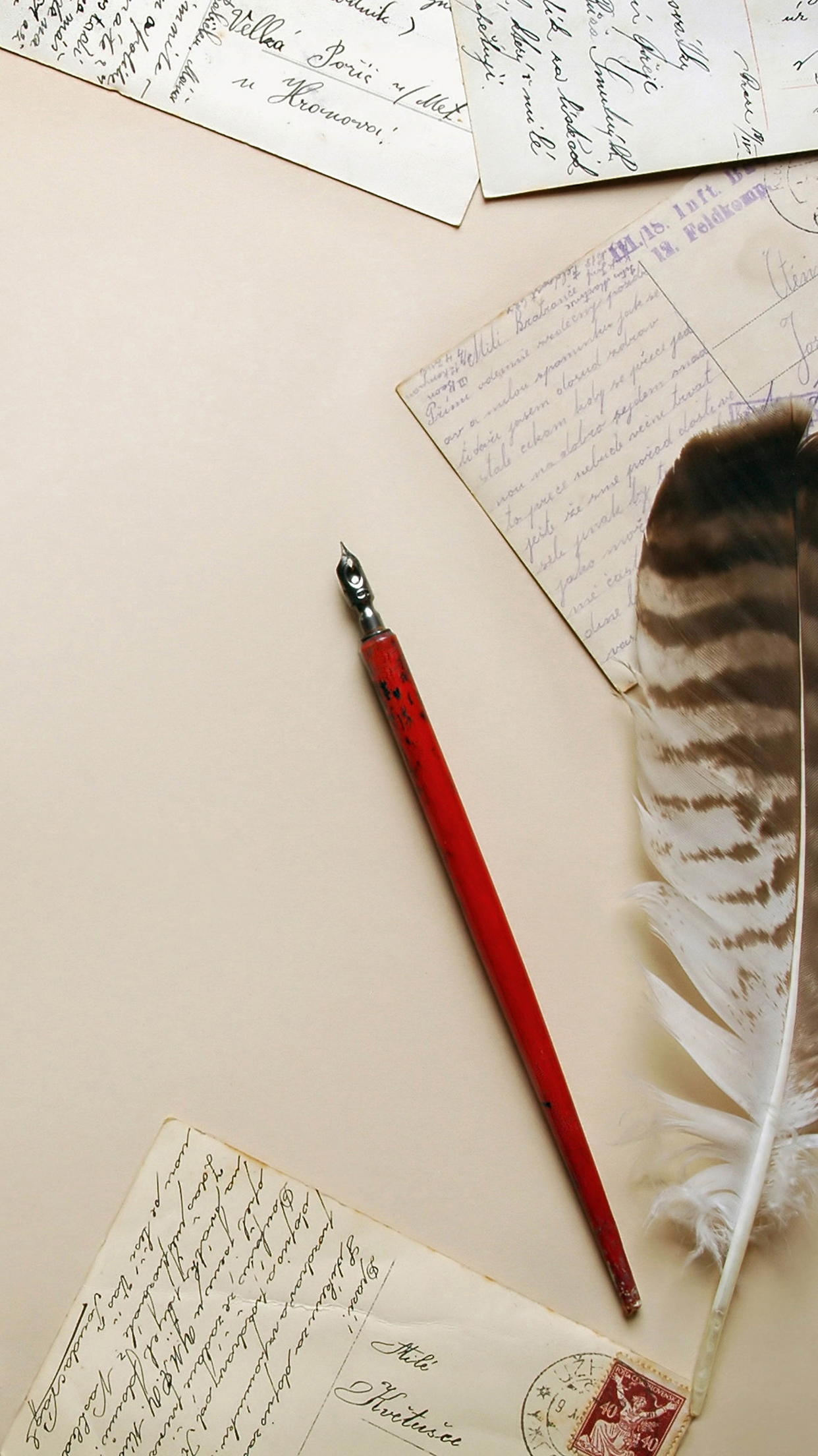 Letters Pen Feather 3Wallpapers iPhone Parallax Letters : Pen and Feather