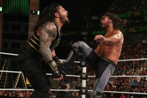 MITB 2016 Seth Rollins vs Roman Reigns