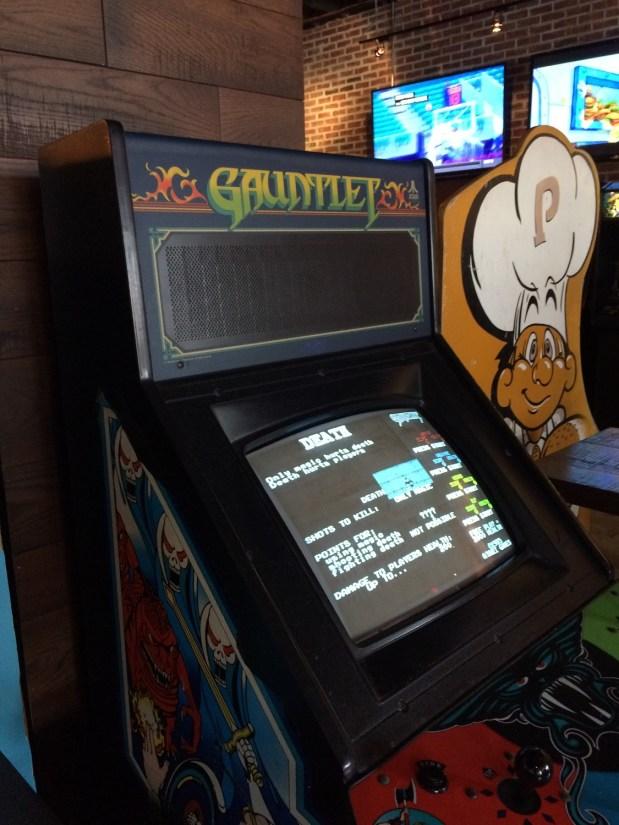 Wrestlemania 32 Weekend - 16-Bit Bar - Gauntlet