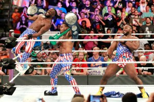 Battleground 2017 - New Day vs Usos