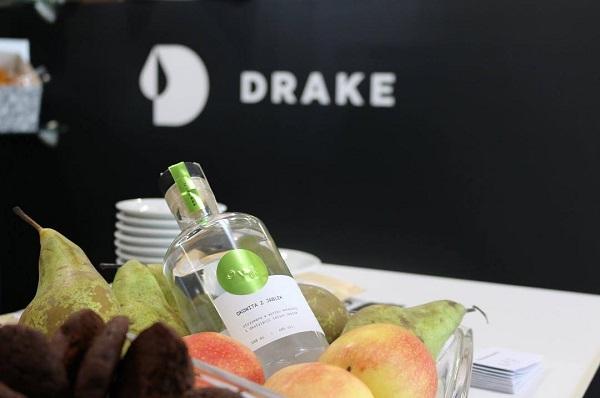 Okowita z jabłek OVII, DRAKE Distillery