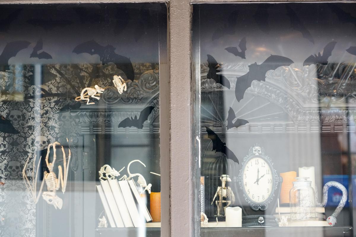 pop-up shop signage window clings decals vinyl Macy's