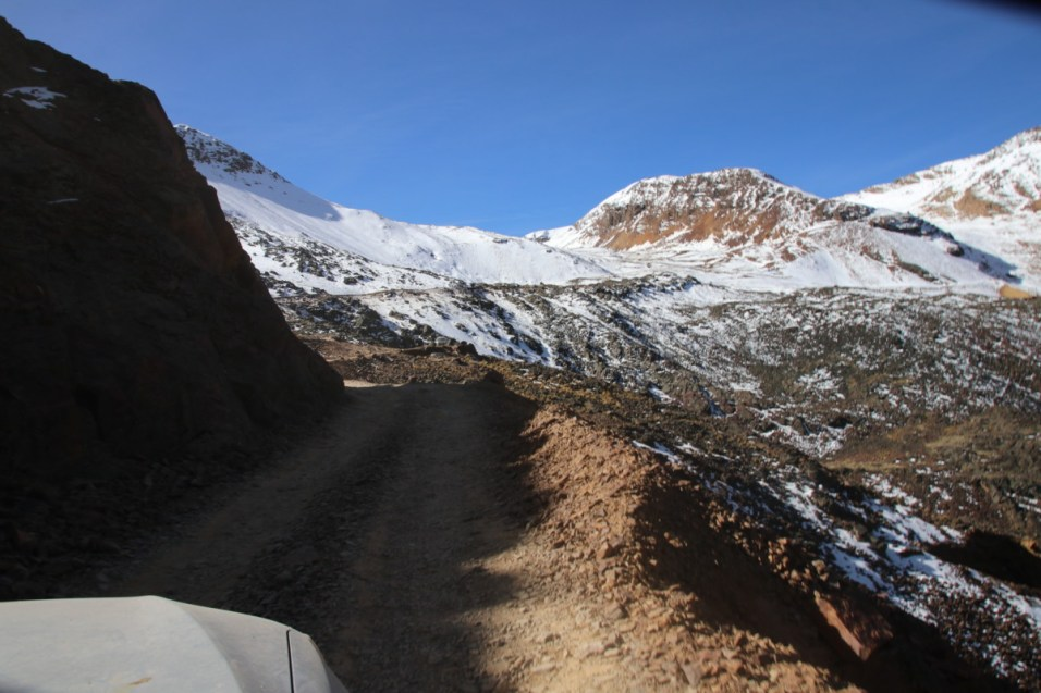The road to Chacaltaya.