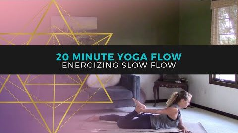 Energizing Yoga for Beginners // Wake Up Yoga Flow // Better Than Coffee!