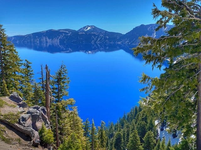 Crater Lake reflecting the craters edge