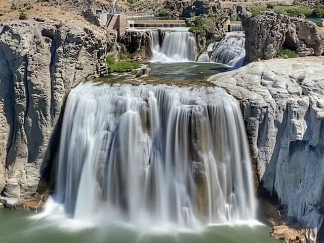 The Shoeshone Falls