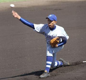 平塚学園 高田投手 ザナックス スパイク