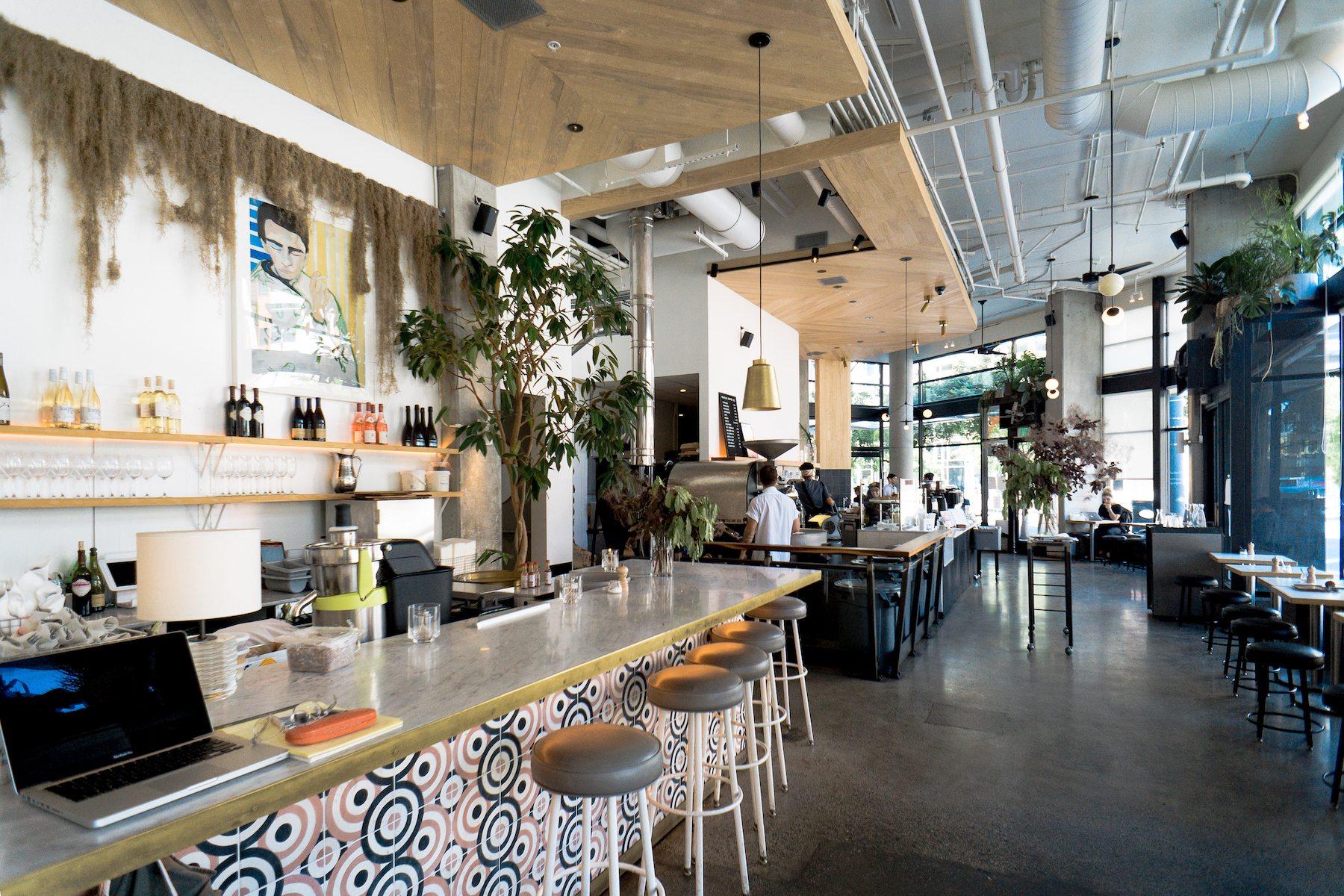 Café Revielle. Photo: Justin Wong, 49miles.com.