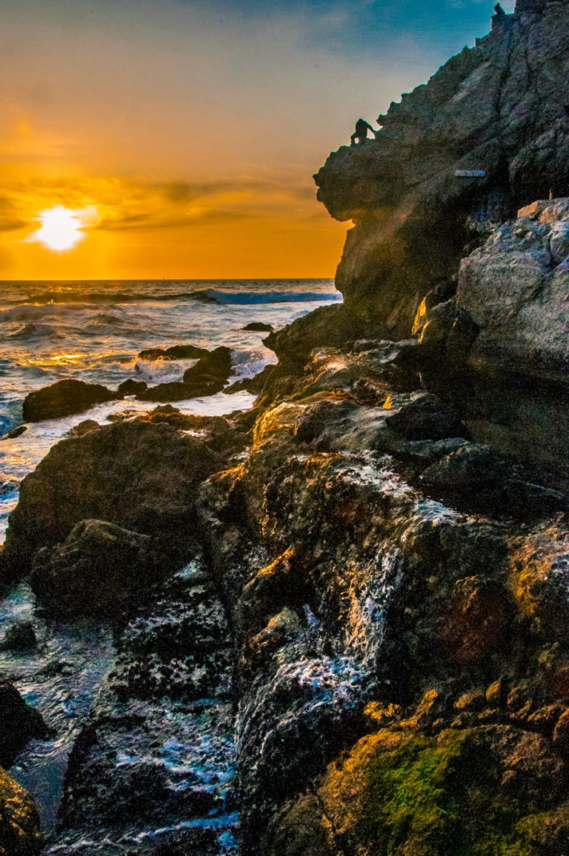 Sutro Bath Ruins at Sunset. Photo: Brian Edmiston, @bdawg809. #SFGuide Featured Photographer.